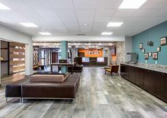 弗吉尼亚州大道亚特兰大机场6号汽车旅馆 - 亚特兰大 - 大厅