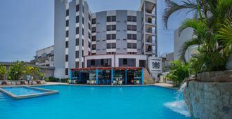 温梅尔赌场及酒店 - 齐克拉约 - 游泳池