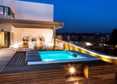 泽尼特圣塞巴斯蒂安酒店 - 圣塞瓦斯蒂安 - 游泳池