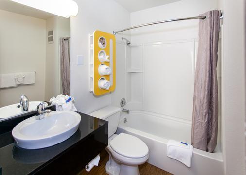 洛杉矶好莱坞6号汽车旅馆 - 洛杉矶 - 浴室