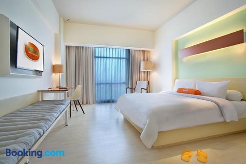 贝克西哈里斯会议酒店(harris Hotel & Conventions Bekasi) - 贝克西 - 睡房