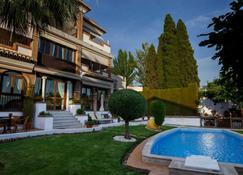 苏尔别墅酒店 - 韦托维加 - 游泳池