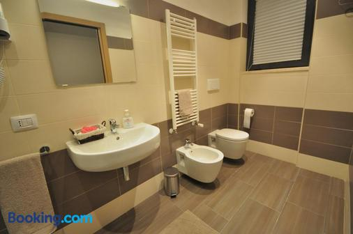 托尔维尔戛塔325号酒店 - 罗马 - 浴室