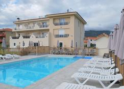 蓝天海岸酒店 - 滨海阿热莱斯 - 游泳池