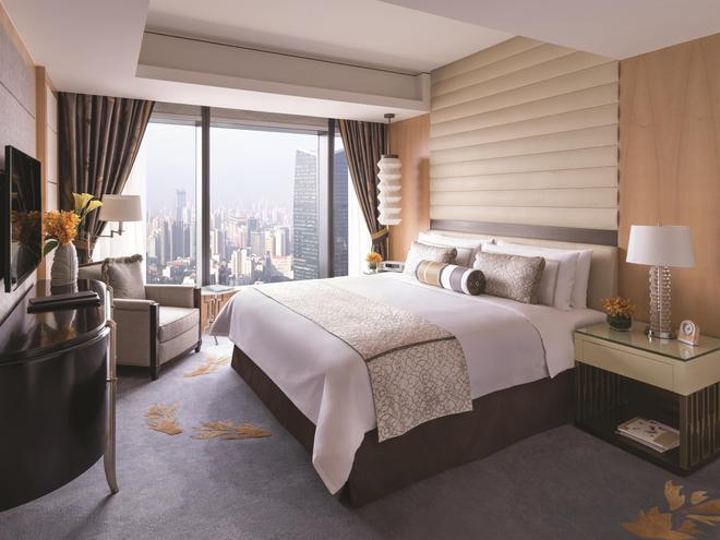 上海静安香格里拉大酒店 - 上海 - 睡房