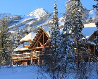 踢马滑雪浪客行小屋度假村 - 戈尔登 - 建筑