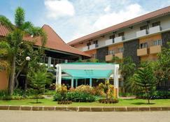 大学酒店 - 日惹 - 建筑