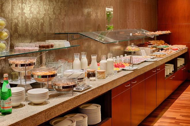 卡塔尼亚中心nh酒店 - 卡塔尼亚 - 自助餐