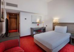 卡塔尼亚中心nh酒店 - 卡塔尼亚 - 睡房