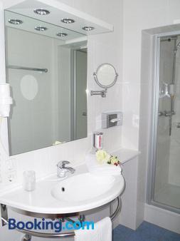 火湖酒店 - 斯图加特 - 浴室