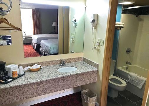 道尔顿美洲最佳价值套房酒店 - 多尔顿 - 浴室