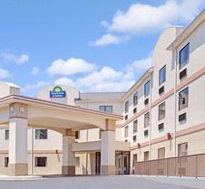 罗瑞尔戴斯酒店和套房