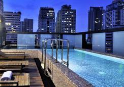 德瓦利迪瓦赫提曲酒店 - 曼谷 - 游泳池