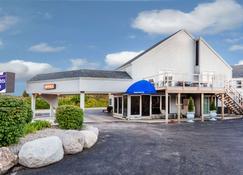 麦基诺城骑士酒店 - 麦基诺城 - 建筑