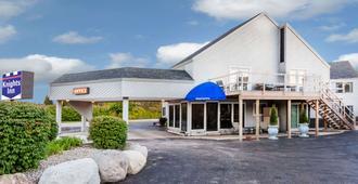 麦基诺城骑士旅馆 - 麦基诺城 - 建筑