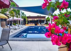 4号棕榈度假村 - 梭桃邑 - 游泳池