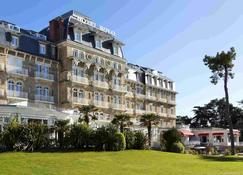 拉波勒皇家吕西安巴里亚酒店 - 拉波勒 - 建筑