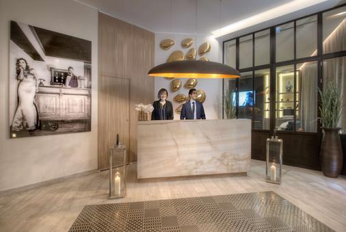 贝斯特韦斯特尼斯马德里酒店 - 尼斯 - 柜台