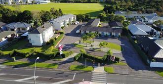 加冕礼庭院汽车旅馆 - 新普利茅斯 - 户外景观