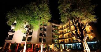 T3 旅館 - 乌汶