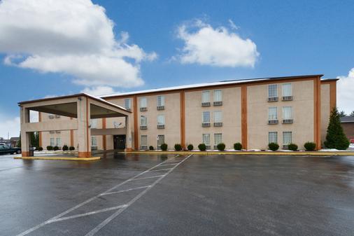 埃文斯维尔美洲最佳价值酒店 - 埃文斯维尔 - 建筑