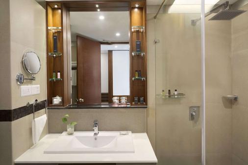 科奇拉华美达渡假酒店 - 科钦 - 浴室