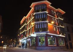 帕莱索大酒店 - 利亚内斯 - 建筑