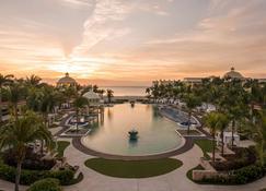 大帕拉伊索伊贝罗斯塔式酒店 - 仅供成人入住 - 卡门海滩 - 游泳池