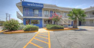 圣安东尼奥6号汽车旅馆 - FT山姆·休斯敦 - 圣安东尼奥 - 建筑