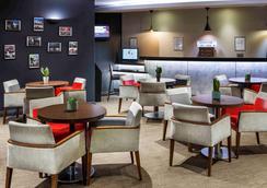 宜必思格拉斯哥市中心萨切霍街酒店 - 格拉斯哥 - 休息厅