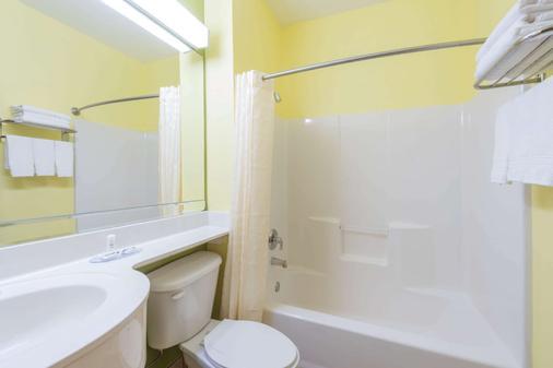 沃斯堡北-艾特福斯尔麦克罗特套房酒店 - 沃思堡 - 浴室