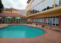 彭绍马丁斯酒店 - 马普托 - 游泳池