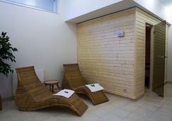 维谢赫拉德公寓式酒店 - 布拉格 - 游泳池