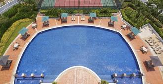 悦乐后港服务式公寓 - 新加坡 - 游泳池