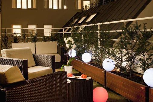 巴黎帝国酒店 - 巴黎 - 阳台