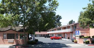 天空牧场美洲最佳价值酒店 - 帕罗奥多 - 建筑