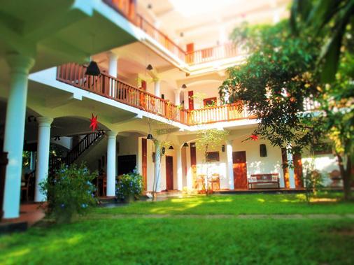 乌纳瓦图纳也斯酒店 - 安瓦图那 - 建筑