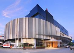 西里邦瑞士贝尔酒店 - 井里汶 - 建筑