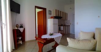 史拜洛克开放式公寓酒店 - 帕尔加 - 客厅