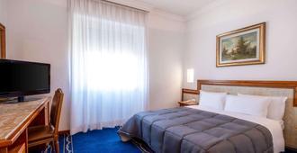 诺瓦多姆斯品质酒店 - 罗马 - 睡房