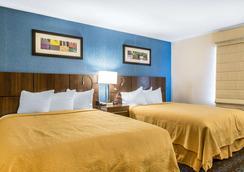 米德尔敦品质酒店及套房 - 米德尔敦 - 睡房