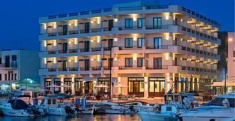 波尔图威尼斯阿诺酒店 - 哈尼亚