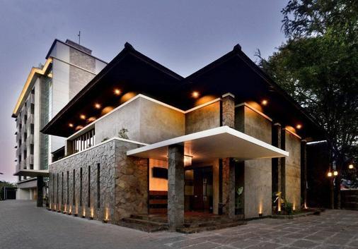 塞雷拉默迪卡酒店 - 万隆 - 建筑