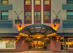巴拉诺夫市中心贝斯特韦斯特签名典藏酒店 - 朱诺 - 建筑