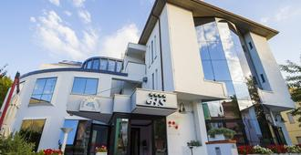 塞丽娜酒店 - 切塞纳蒂科 - 建筑
