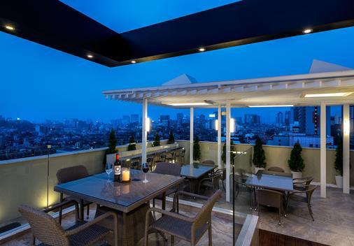 江南lyj高级设计师酒店 - 首尔 - 阳台
