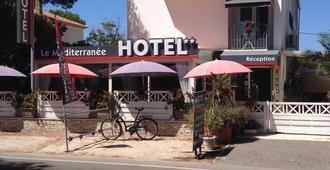 蒙蒂特拉内酒店 - 耶尔 - 建筑