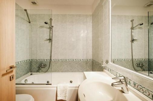 法托里亚马雷曼纳酒店 - 格罗塞托 - 浴室