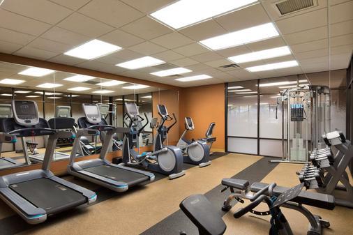 大学广场酒店 - 斯普林菲尔德 - 健身房