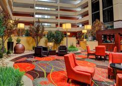 大学广场酒店 - 斯普林菲尔德 - 大厅
